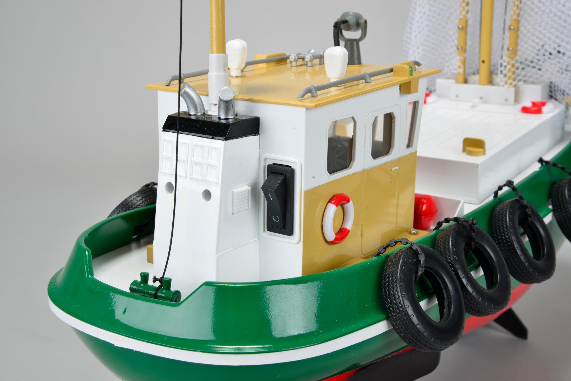 Cux-15 rybářská loď se zvedacími sítěmi, RTR