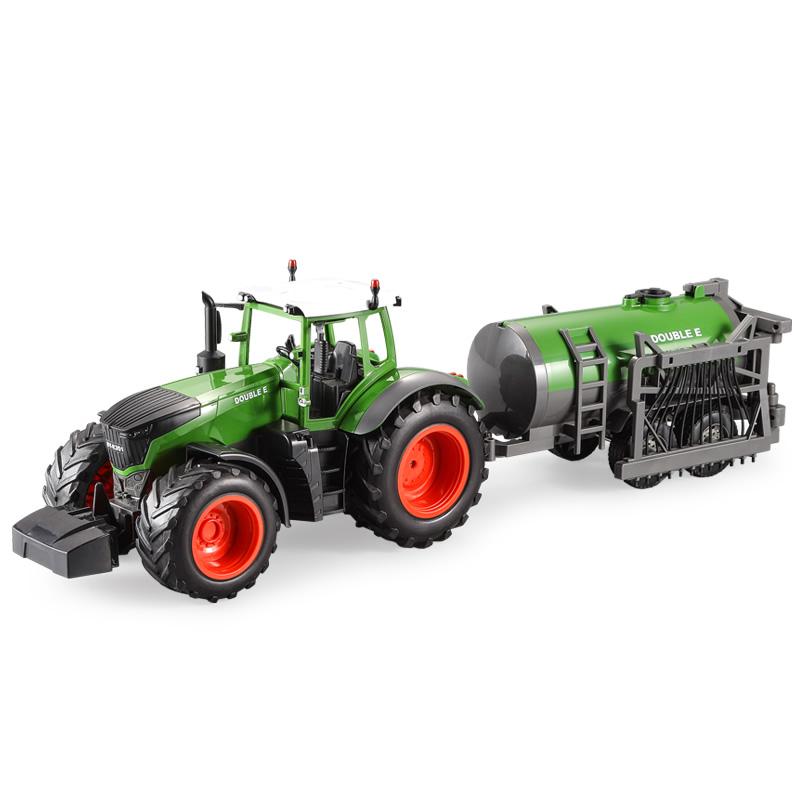 FARM TRAKTOR FENDT s funkční kropící cisternou 1:16, 2.4 GHz, LED a zvukové efekty, RTR