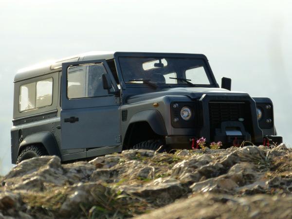 Land Rover Defender D110 Wagon 1:8, licencováno, proporcionální, uhl. vlákna, LED, RTR