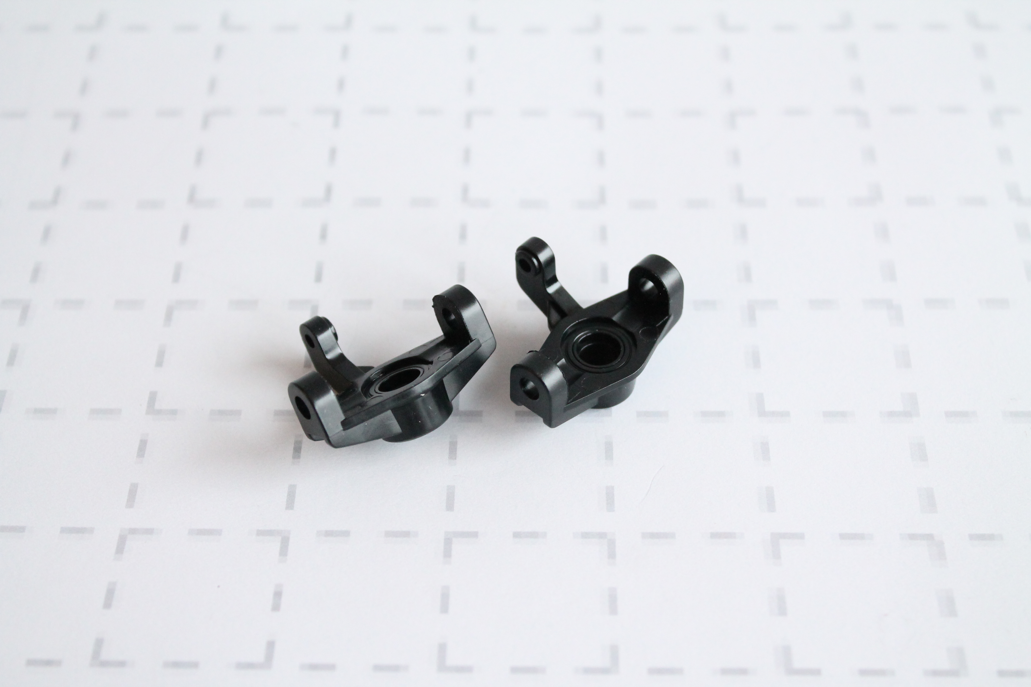 Součást předních těhlic (2 ks.) pro Z06 Evolution, 3120 DF Models / 144001 WL Toys