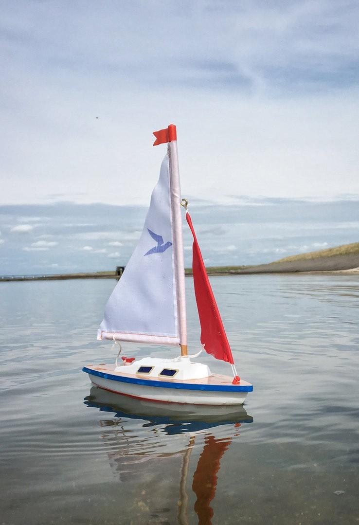 Model plachetnice pro děti GIGGI 24x32 cm (dřevo)