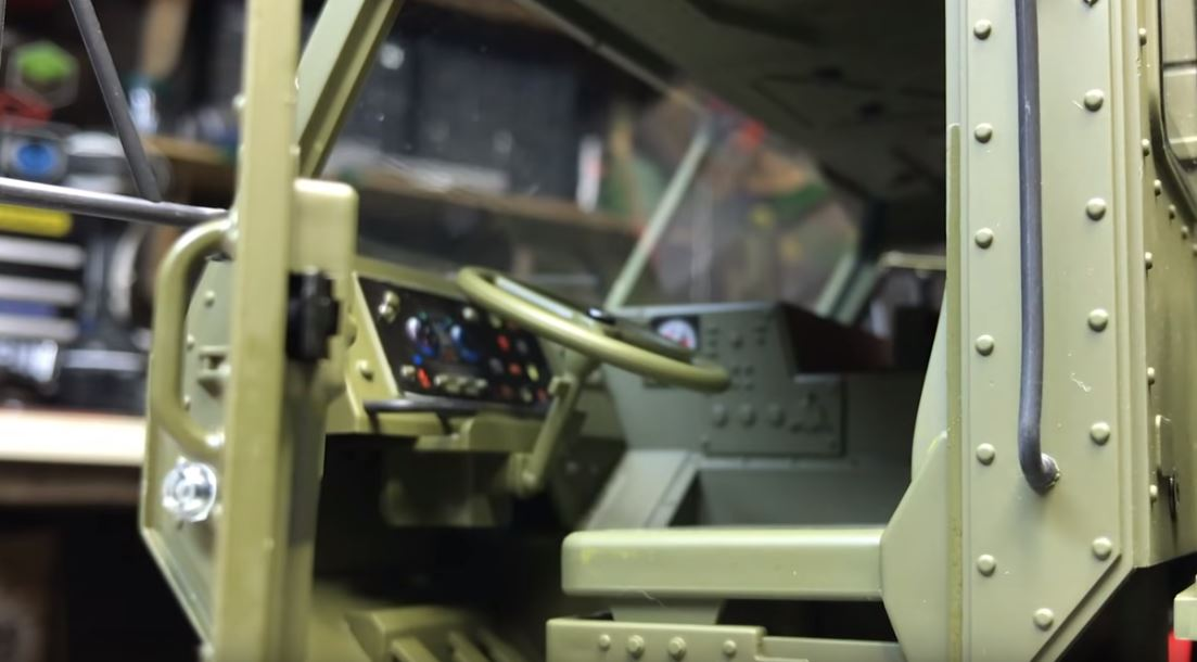 MilitaryTruck 1:12 RTR pískový 8x8