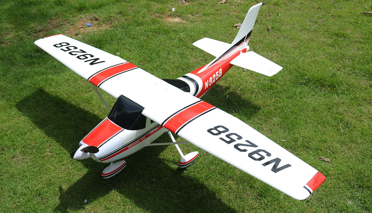 CESSNA Air Trainer 1410, 1410 mm PNP brushless ČERVENÁ