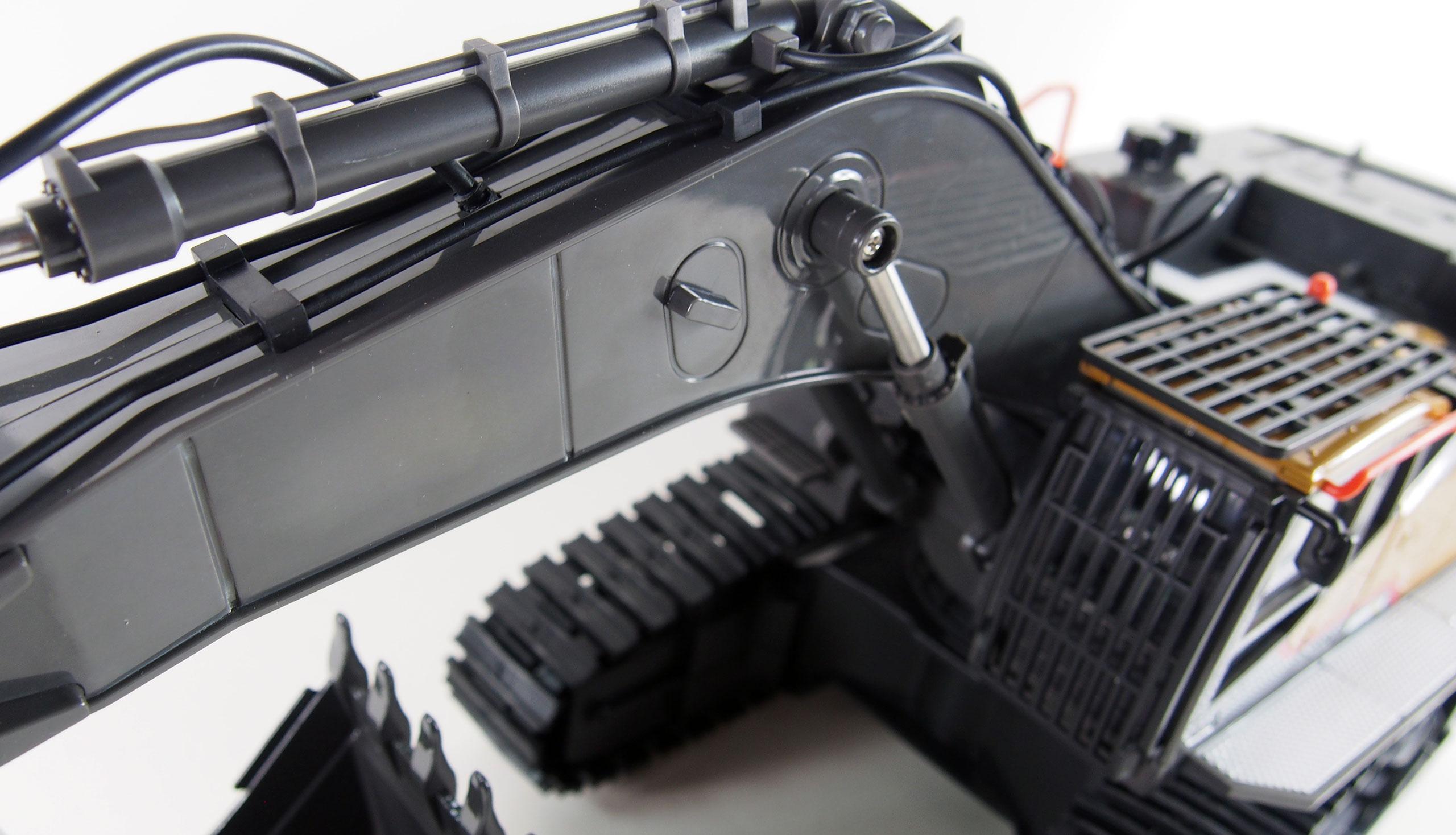 Pásový PROFI bagr s kovovou lžící ACV 730 2,4GHz 1:14